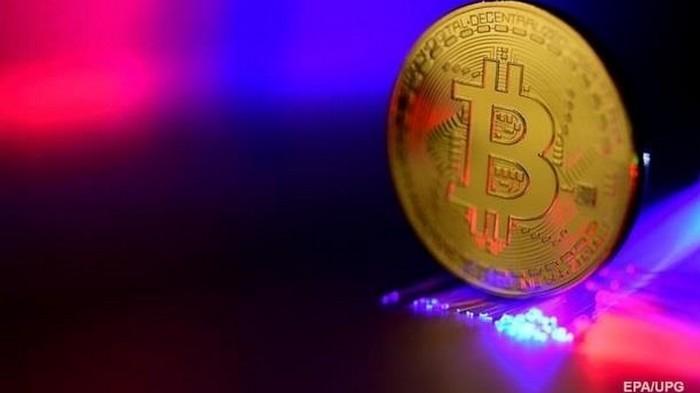 Курс Bitcoin превысил 11 тысяч долларов