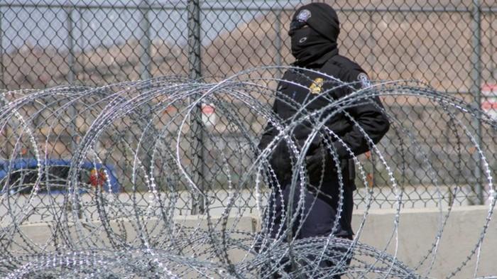 Мексика не позволит мигрантам использовать свою территорию для транзита в США