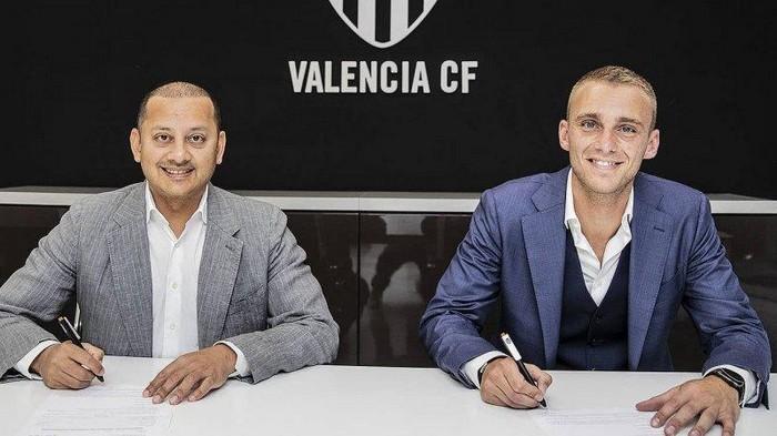 Барселона за два дня продала игроков на 60 млн евро