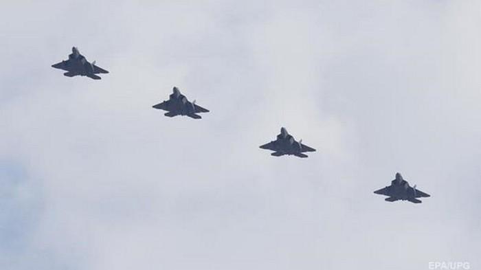 США впервые перебросили истребители F-22 в Катар