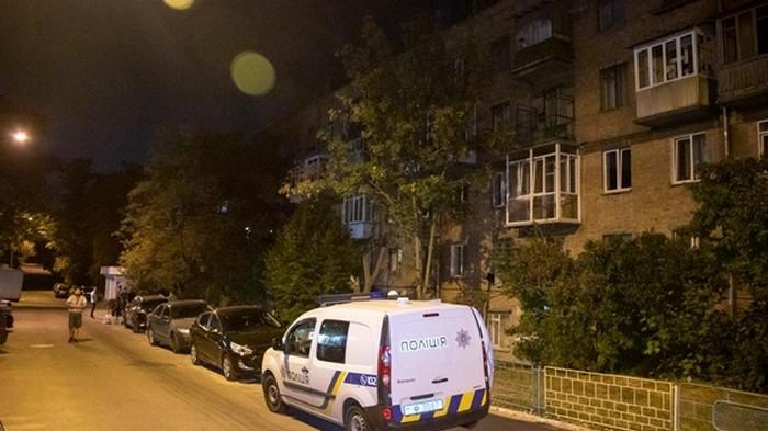В Киеве мужчина получил три удара ножом за замечание