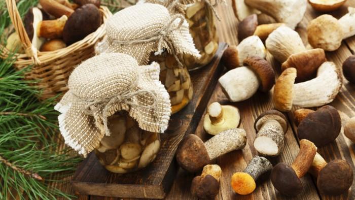 Как правильно замариновать белые грибы?