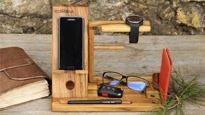 Деревянный органайзер с логотипом — украшение для рабочего стола