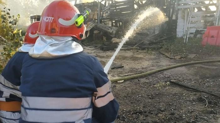 Киевлянин обстрелял пожарных, прибывших тушить его дом