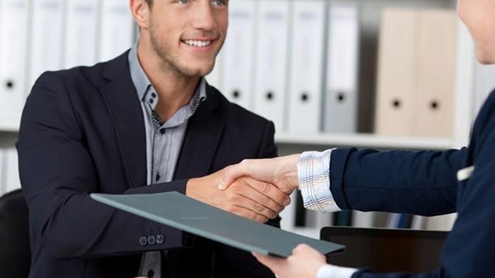 В Украине запретят подавать документы о приеме на работу в бумажной форме