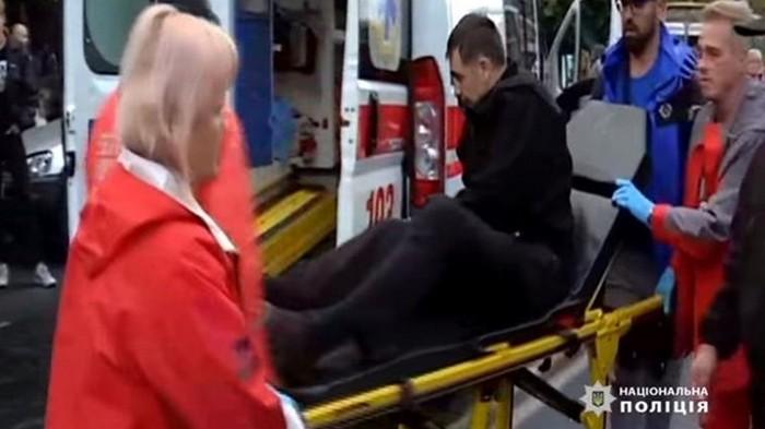 В Одессе авто въехало в протестующих (видео)