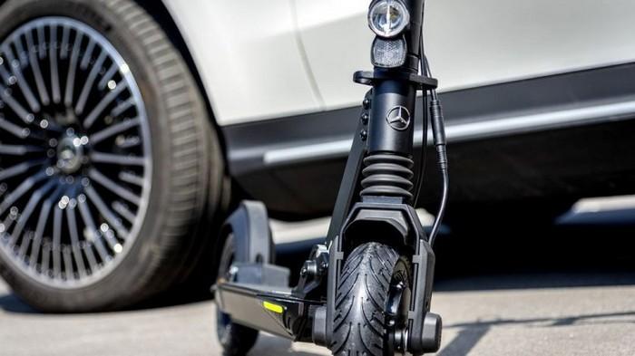 Mercedes-Benz презентовала электрический самокат