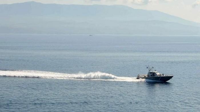У берегов Греции перевернулось судно с мигрантами из Турции