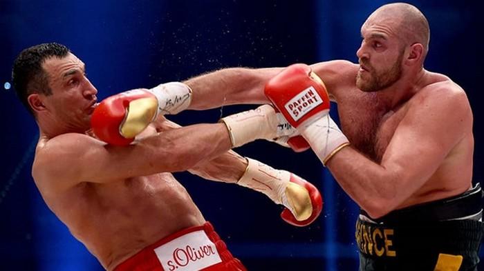 Фьюри хотел завершить карьеру после боя с Кличко