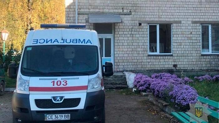 Массовое отравление на Буковине: число пострадавших приблизилось к сотне