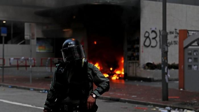 Протесты в Гонконге: полиция впервые применила боевые патроны