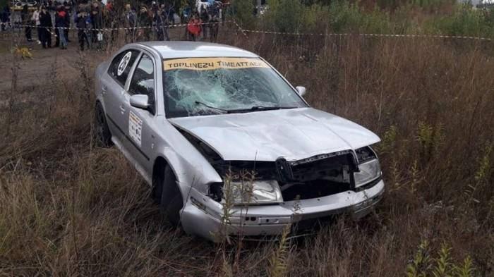 Появилось шокирующее видео, как на гонках в Черкассах автомобиль сбил зрителя