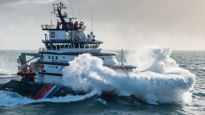 Зеленский обратился к Макрону с просьбой из-за кораблекрушения в Атлантике