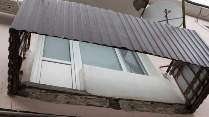 В Коблево на базе отдыха рухнул балкон, есть жертвы