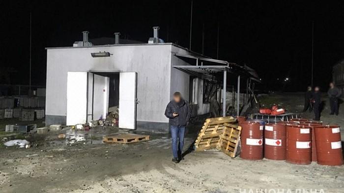 Под Ровно проводят проверку воздуха из-за взрыва на химпредприятии