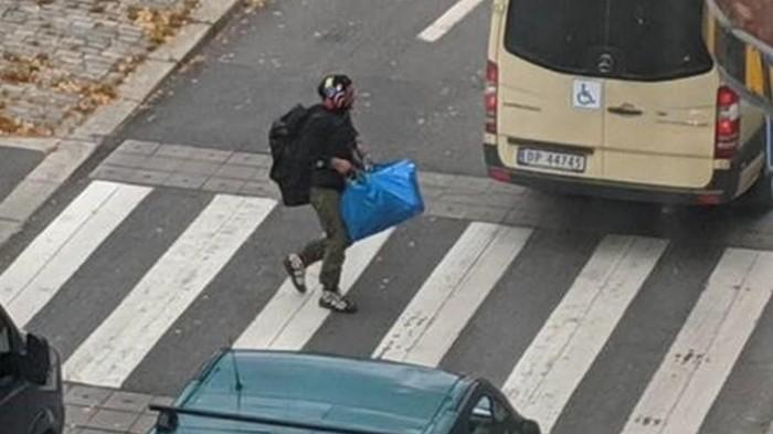 В Осло вооруженный мужчина угнал скорую и наехал на людей