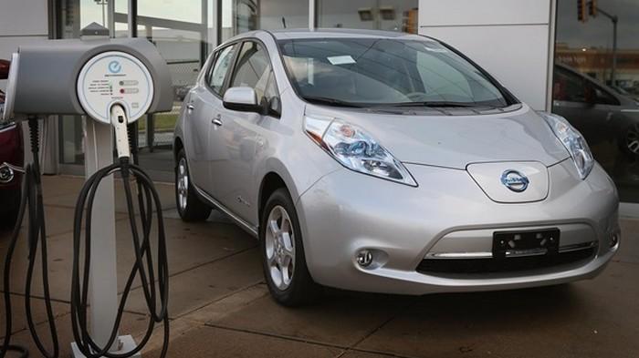 Министерствам разрешили купить по одному электромобилю