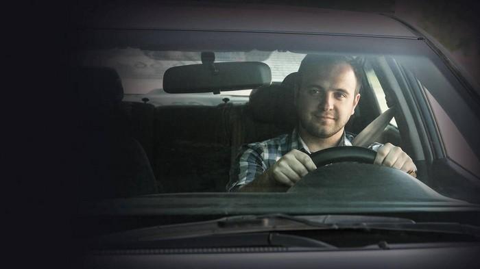 Работа таксистом через сервис в Харькове: преимущества и условия