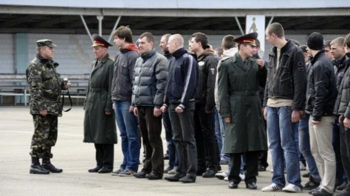 Призыв в армию планируют вернуть с 18 лет - СМИ