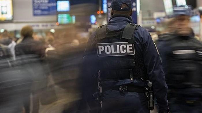 Неизвестный открыл стрельбу в баре во Франции