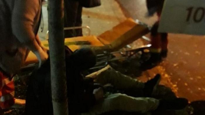 В Одессе выбросили на обочину потерявшего сознание пассажира маршрутки (видео)