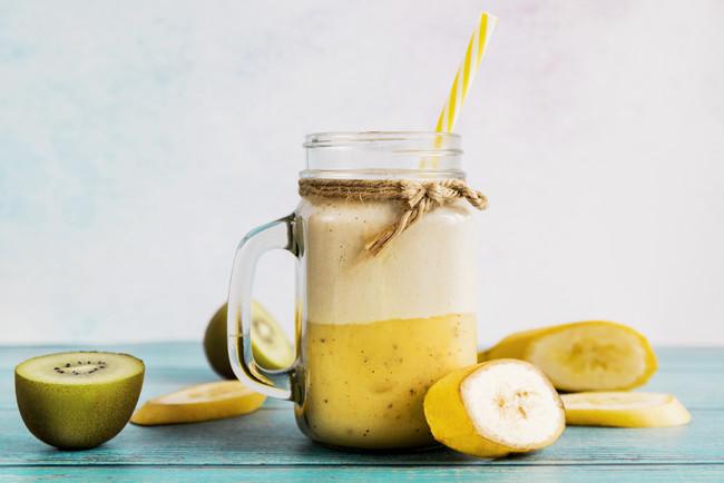 Смузи для похудения со сметаной, фруктами и имбирем