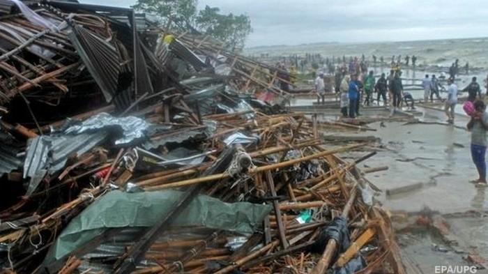 Жертвами циклона в Бангладеш стали почти 30 человек