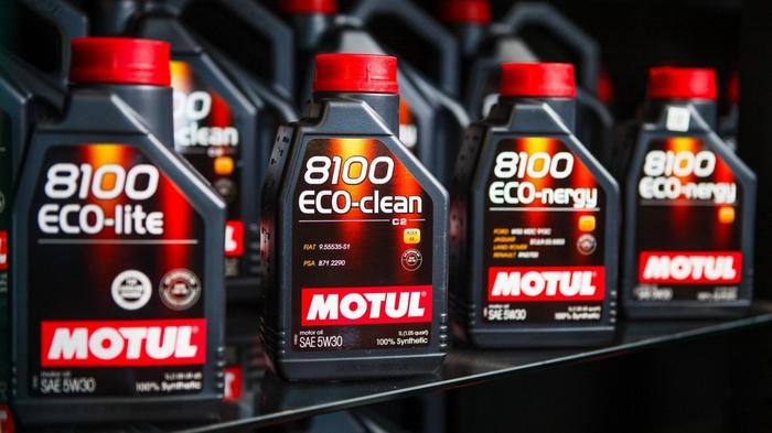 Моторное масло MOTUL: особенности и преимущества
