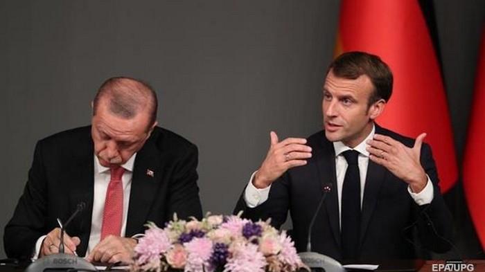 МИД Франции вызвало турецкого посла из-за совета Макрону проверить голову