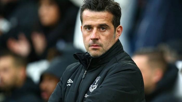 Эвертон уволил Силву после позорного поражения от Ливерпуля