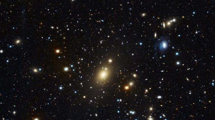 Найден космический убийца массой в 40 миллиардов Солнц