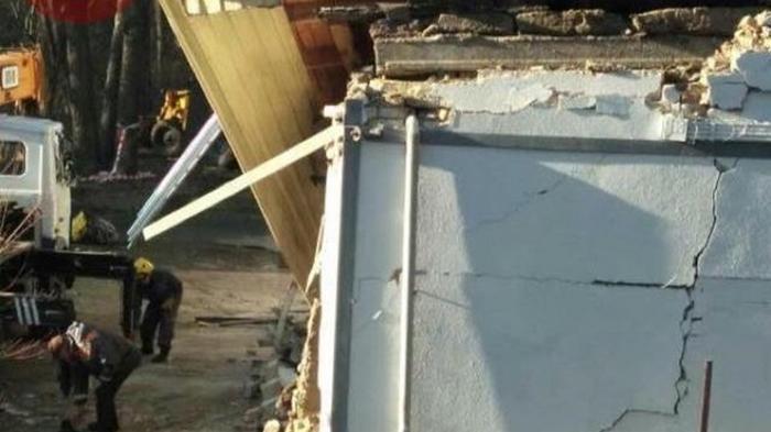 На территории киевской школы взорвалось здание