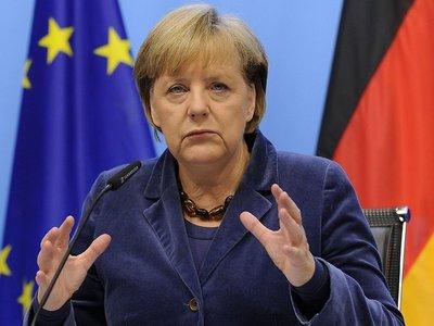 НАТО должно показать сильное присутствие у российских границ — Меркель