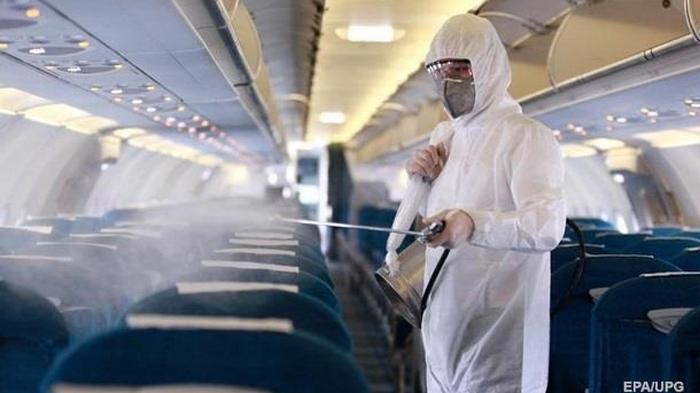 В самолете с заболевшей коронавирусом гражданкой Молдовы летели украинцы