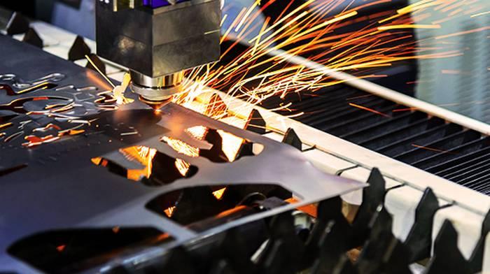 Лазерная резка металла в Steel Process: основные плюсы и особенности