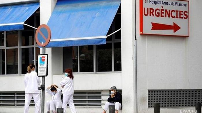 В Испании от коронавируса скончались больше тысячи человек