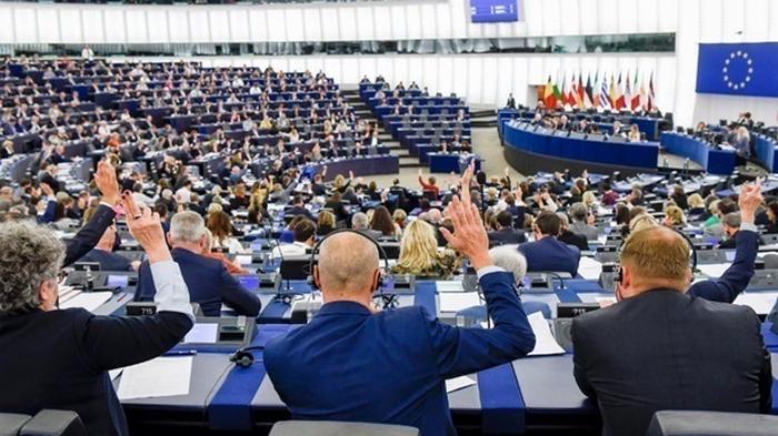 Первый депутат Европарламента заразился коронавирусом