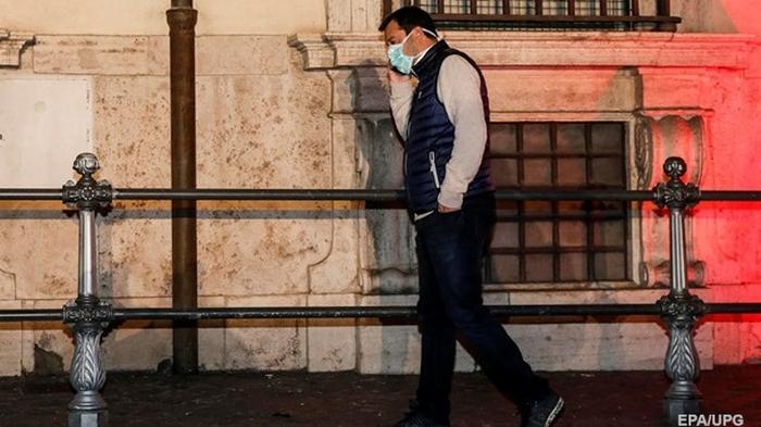 В США начали следить за смартфонами граждан ради борьбы с вирусом - СМИ