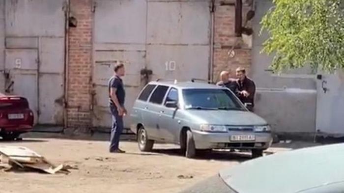 Захват в Полтаве: копа поменяли на начальника (фото)