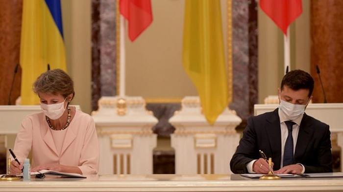 Швейцария упростит для украинцев оформление виз