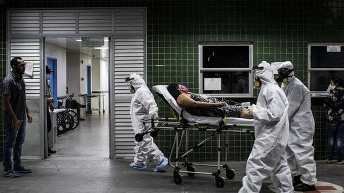 Коронавирус: в мире выявили четверть миллиона заболевших за сутки – динамика