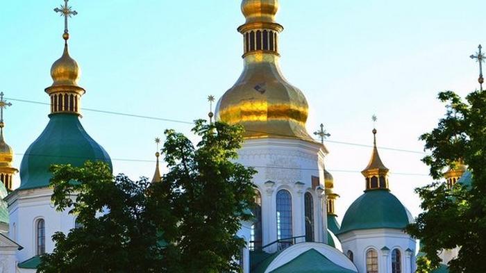 COVID-19 и богослужение. Степанов сказал, что церкви закрывать не будут