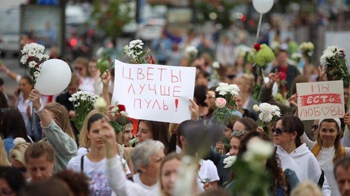 В Беларуси продолжаются акции солидарности и забастовки