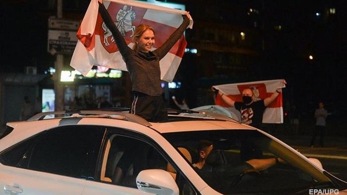 Белорусам пригрозили изымать авто за блокировку улиц