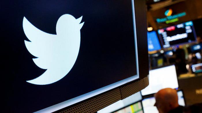 Twitter будет отмечать аккаунты чиновников и государственных СМИ