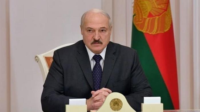 Лукашенко заявил о готовности поделиться полномочиями