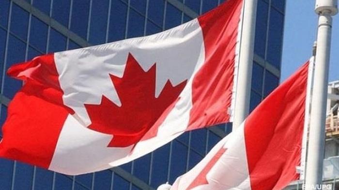 ВВП Канады сократился на рекордные 38%