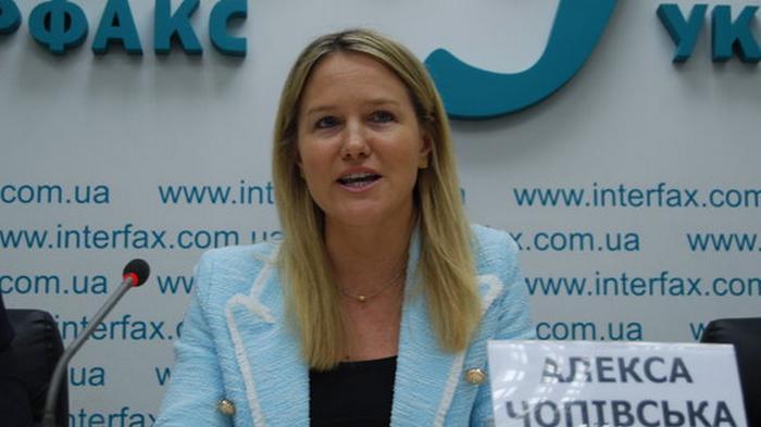 Министр экономики Петрашко нанял американскую лоббистку-волонтера