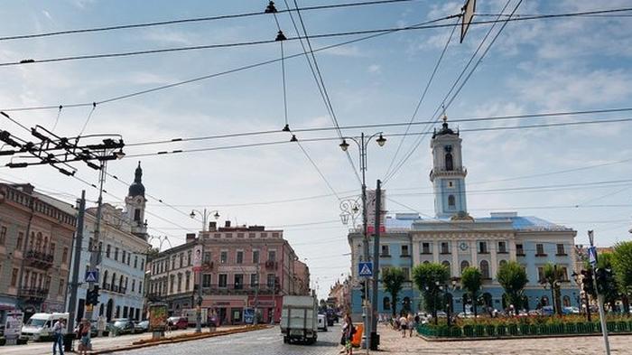 В Черновцах полиция открыла дело против депутатов из-за упрощения карантина в красной зоне