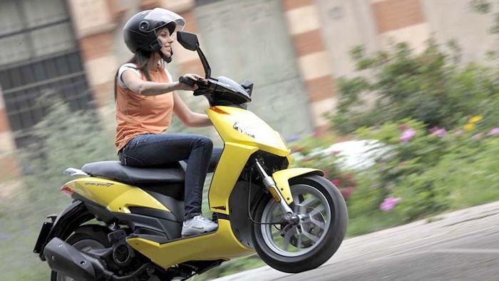 Преимущество скутера перед другими видами транспортных средств